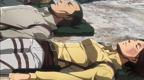 横たわるハンジ
