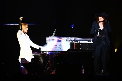 X JAPANのYOSHIKIとHYDE