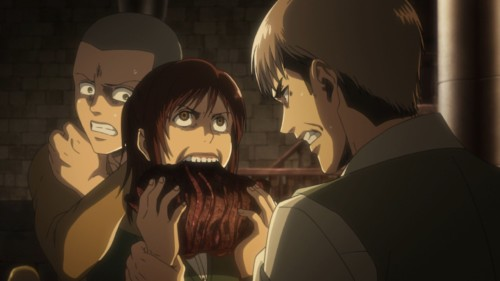 肉を喰らうサシャ