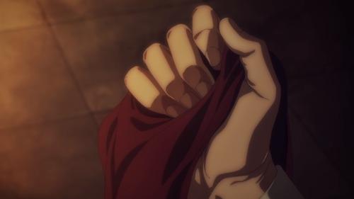 手に握るマフラー